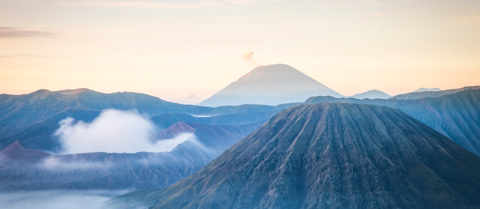 What You Need To Know About Mount Bromo, Indonesia & It's Problem With Plastic Pollution!