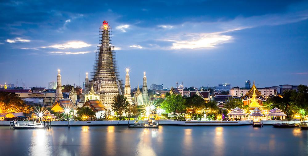 Wat Arun at Sunset, Chao Praya River, Bangkok, Thailand