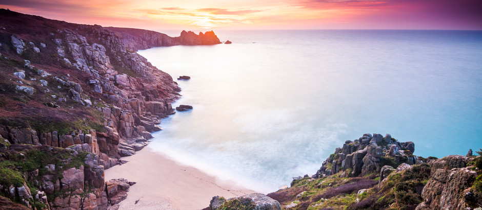 The Best Secret Beaches In Cornwall! A Top 5 List Of Secluded Coves & Hidden Gems Without Crowds!