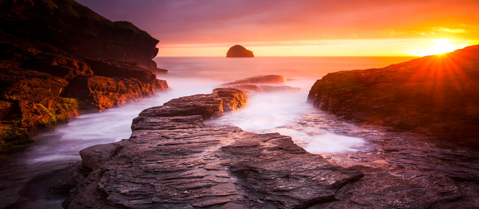 Cornwall's Best Spots For Storm Watching! A Top 5 List For Crashing Waves & Clifftop Views!