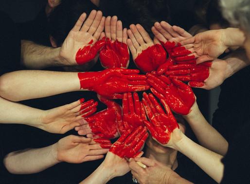 """""""Não é caridade nem coragem. É amor"""""""