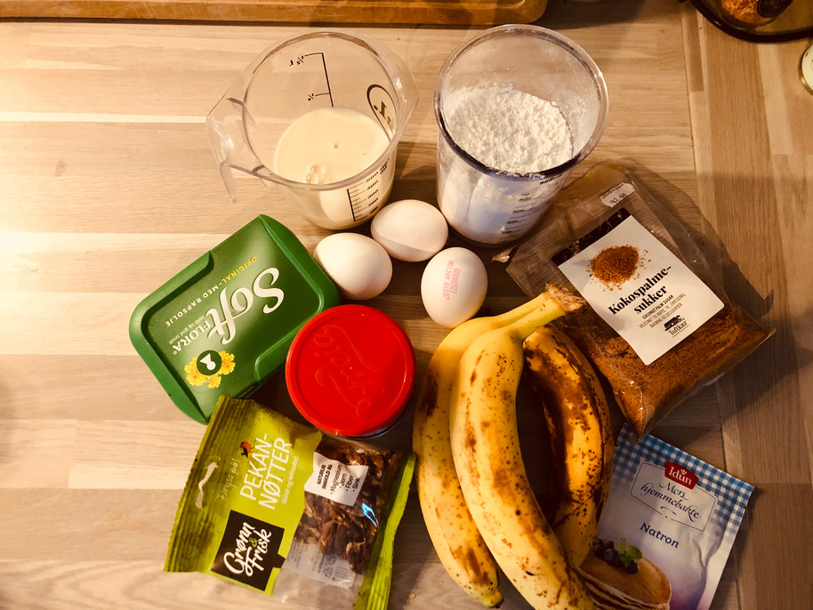 Sunday baking 🍌