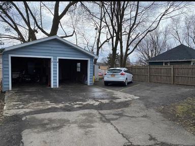 Garage & Parking.jpg