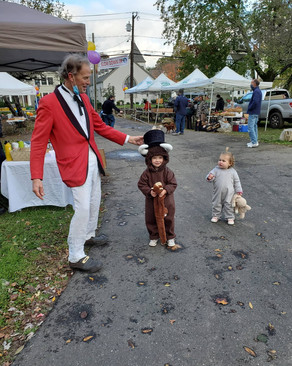Something Wolfy and Rowayton Farmers Market Fundraiser for PAWS