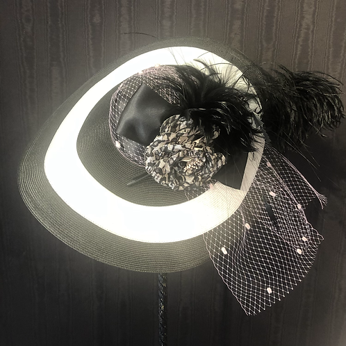 Black and white straw 7 inch with pink and black lace