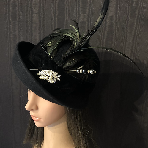 Black fur felt Bonnie with crystal broach