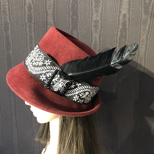 Burgundy fur felt Trilby with black and silver