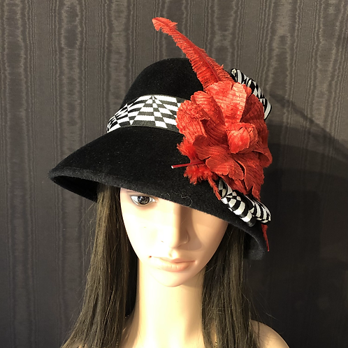 Black fur felt square crowned cloche with red