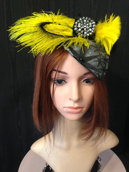 Black and yellow starburst fascinator