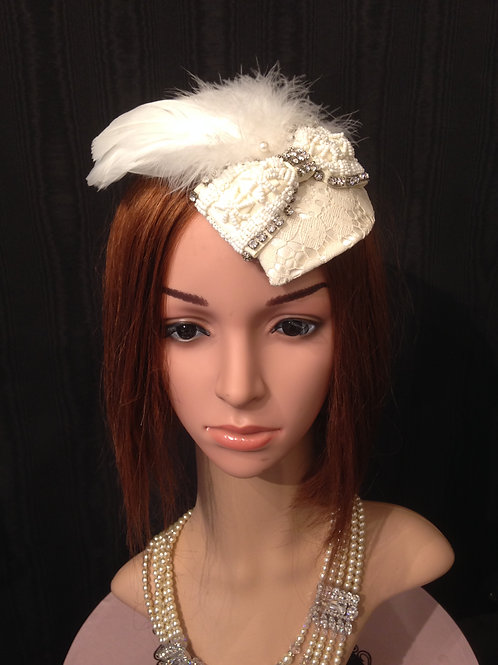 Lace mini fascinator with bow