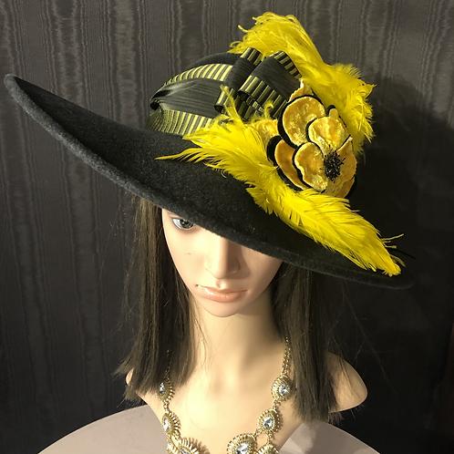 Black fur felt 5 inch with yellow
