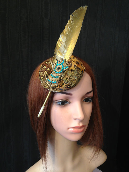 Feather circle fascinator