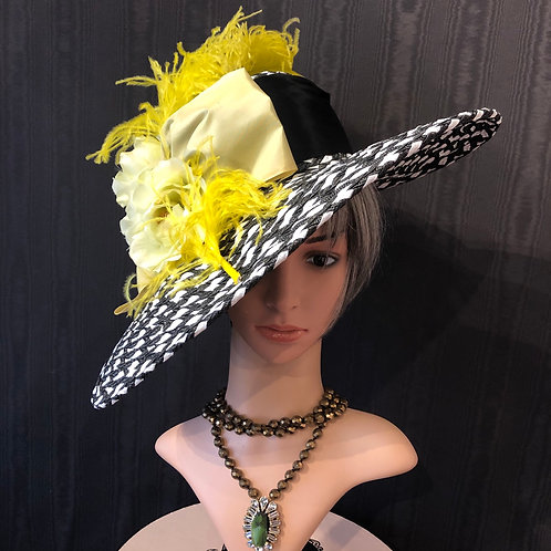 Black and white Bonnet with chartruse