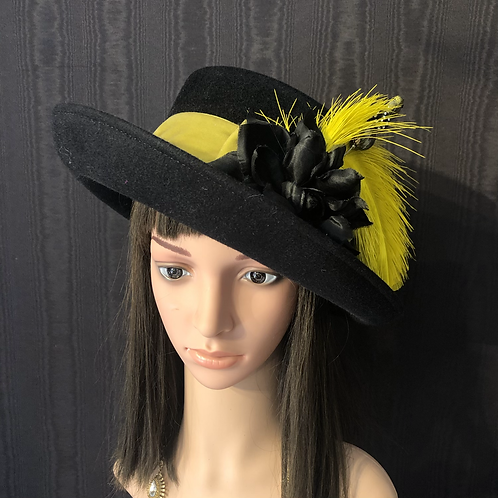 Black fur felt Annie with chartreuse