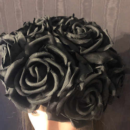 Black roses pillbox