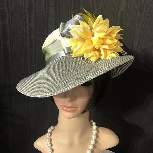 Silver straw Ingrid with lemon yellow flower