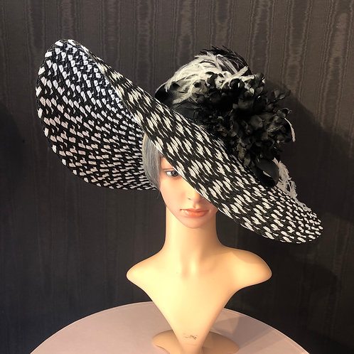 Black and white braid straw 7 inch with ostrich