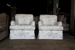 twin chairs to send 3