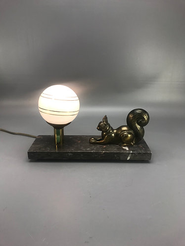 Lamp met eekhoorn