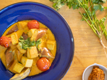 Gaeng Ga Rie Tau Hu - Gelbes Thai Curry vegan