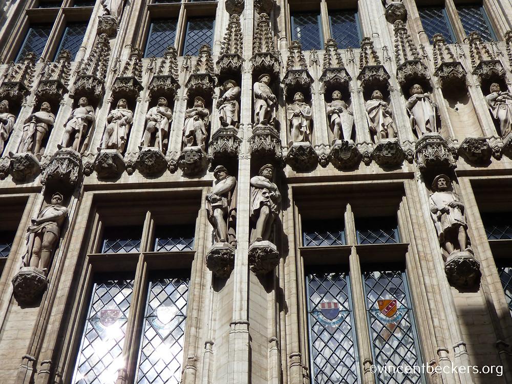 statues hôtel de ville Grand-Place Bruxelles, visite guidée Grand-Place Bruxelles, Vincent Beckers