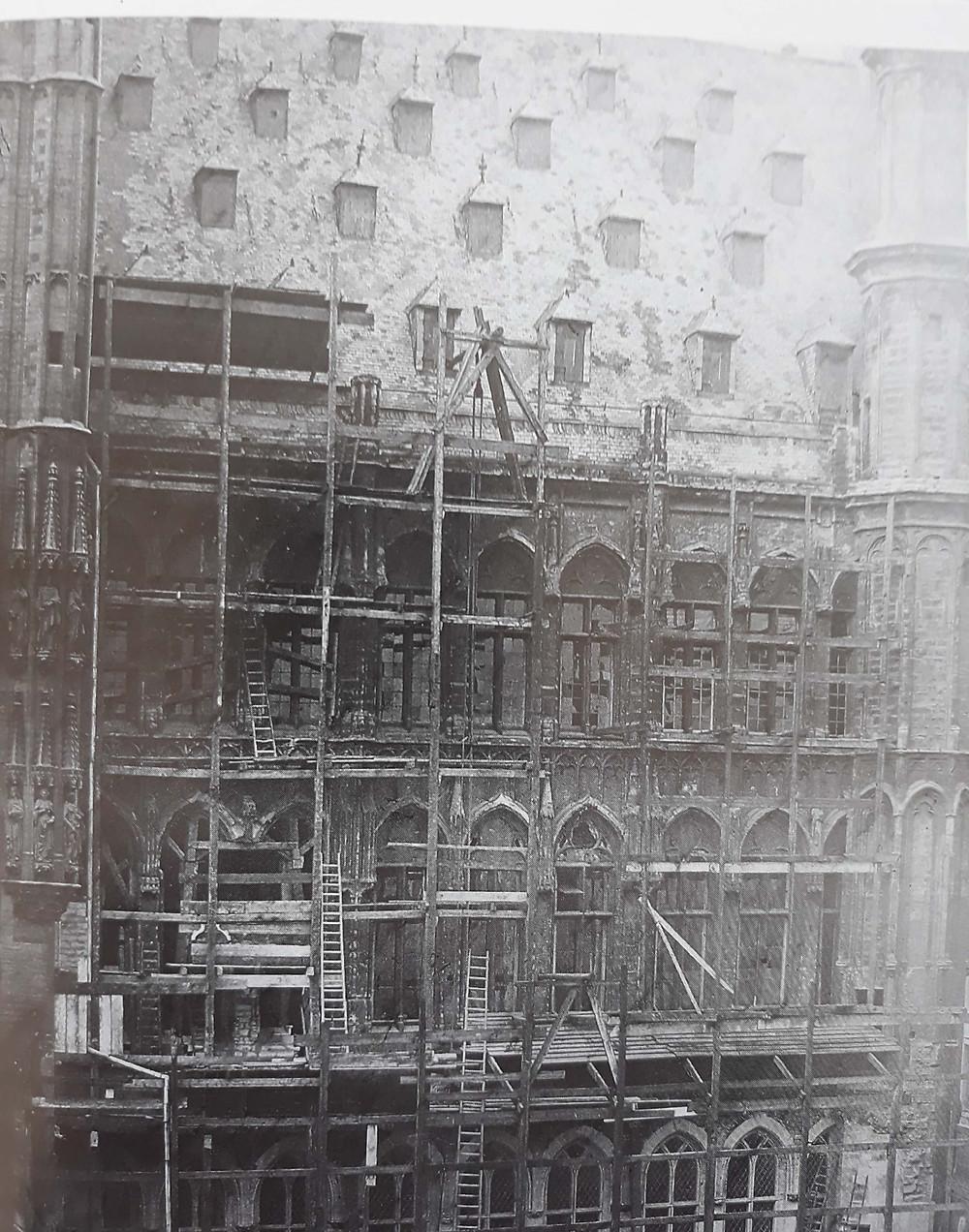 rénovation façade hôtel de ville Bruxelles 1873, visite guidée Grand-Place Bruxelles, Vincent Beckers