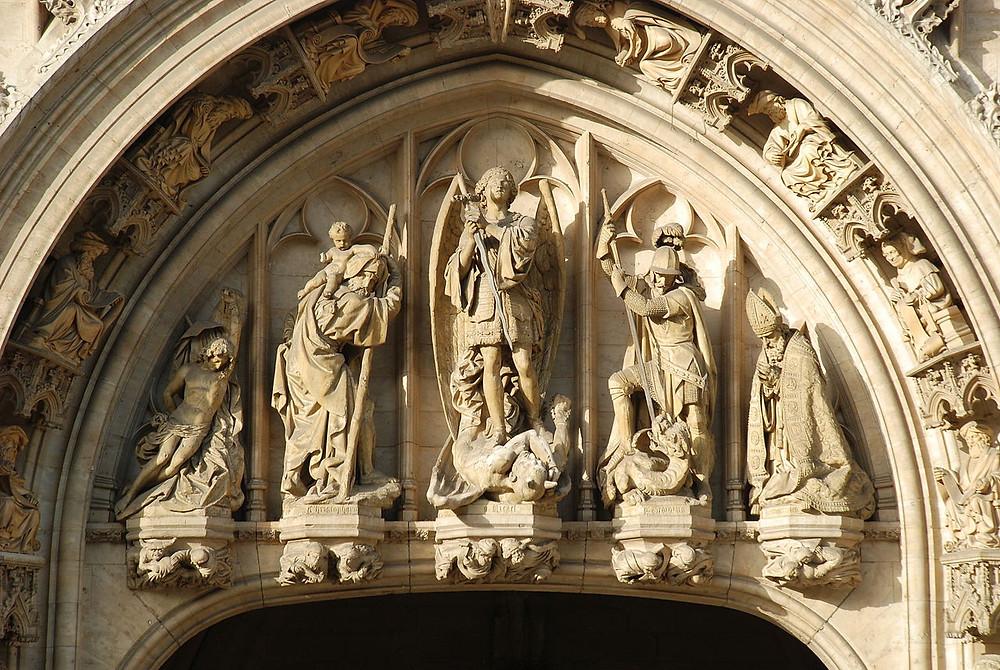 saint Michel hôtel de ville Grand-Place Bruxelles, visite guidée Greand-Place Bruxelles, Vincent Beckers