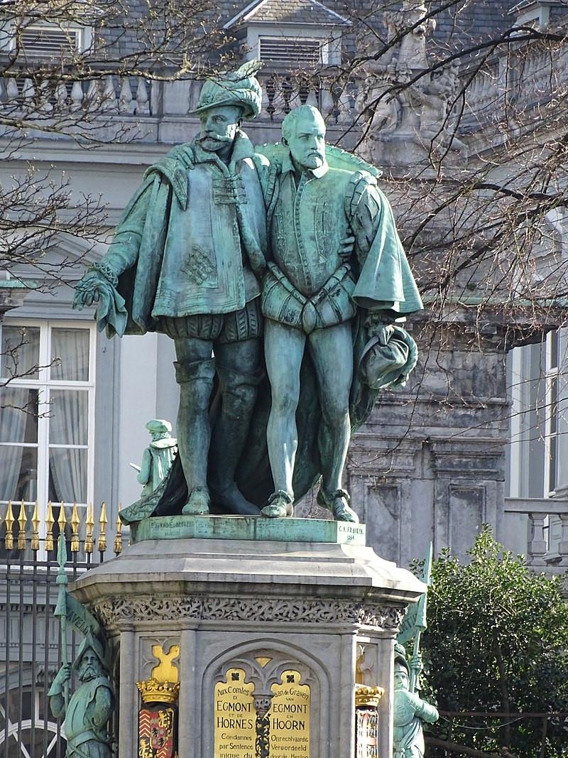 statue des comtes d'Egmont et Hornes, au Sablon, Bruxelles, visite guidée Bruxelles, Vincent Beckers