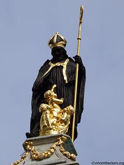Visite Bruxelles, saint Nicolas, grand-Place, guide touristique privé, Vincent Beckers, visite Bruxelles, Bruxelles tourisme, visite guidée Bruxelles, visite privée Bruxelles, Saint Nicolas Grand Place Bruxelles