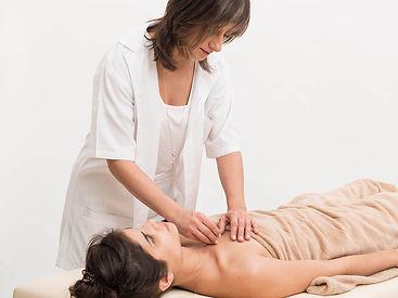 דיקור סיני, רפואה סינית, מטפלת ברפואה סינית