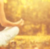 autumn-yoga-woman-670x446.png