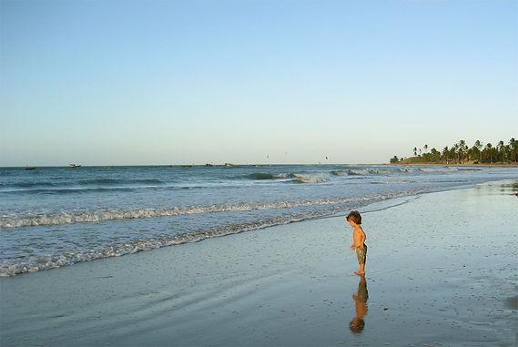 Hotel Pension Artevida direkt am Meer in Ica. Unser Motto vom Bett auf's Brett! Das Paradies für Kitesurfer und Windsurfer