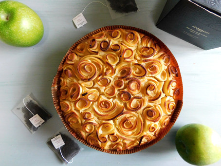 Rosh Hashanah (Apple Cake)