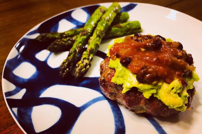 Bun-less Tex-Mex Burgers & Grilled Asparagus
