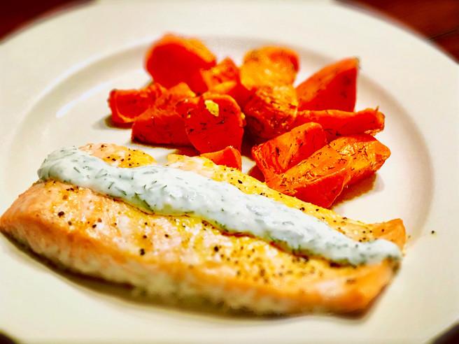 Salmon with Horseradish-Dill Sauce