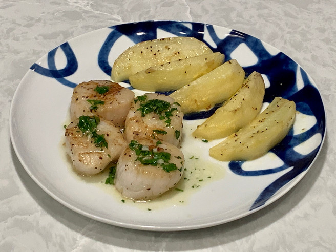 Seared Scallops with Lemon Garlic Parsley Sauce & Lemon Potatoes