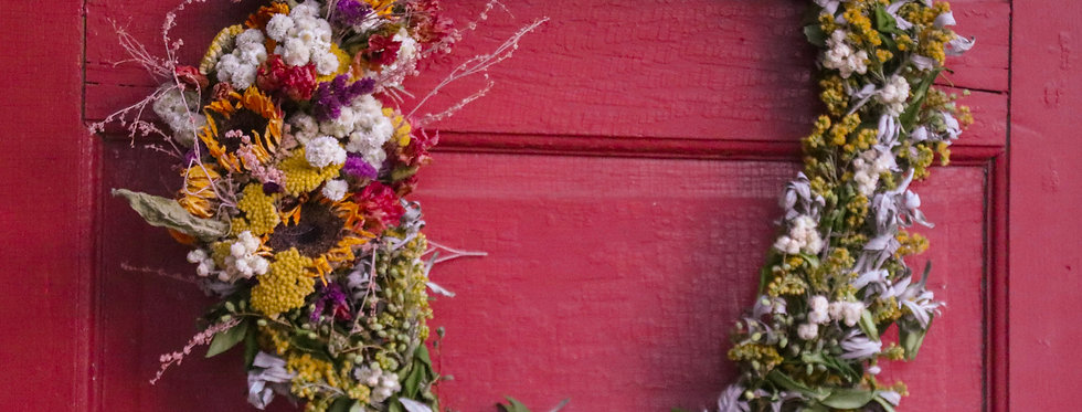 Everlasting Flowers To The Side - Dried Floral Wreath
