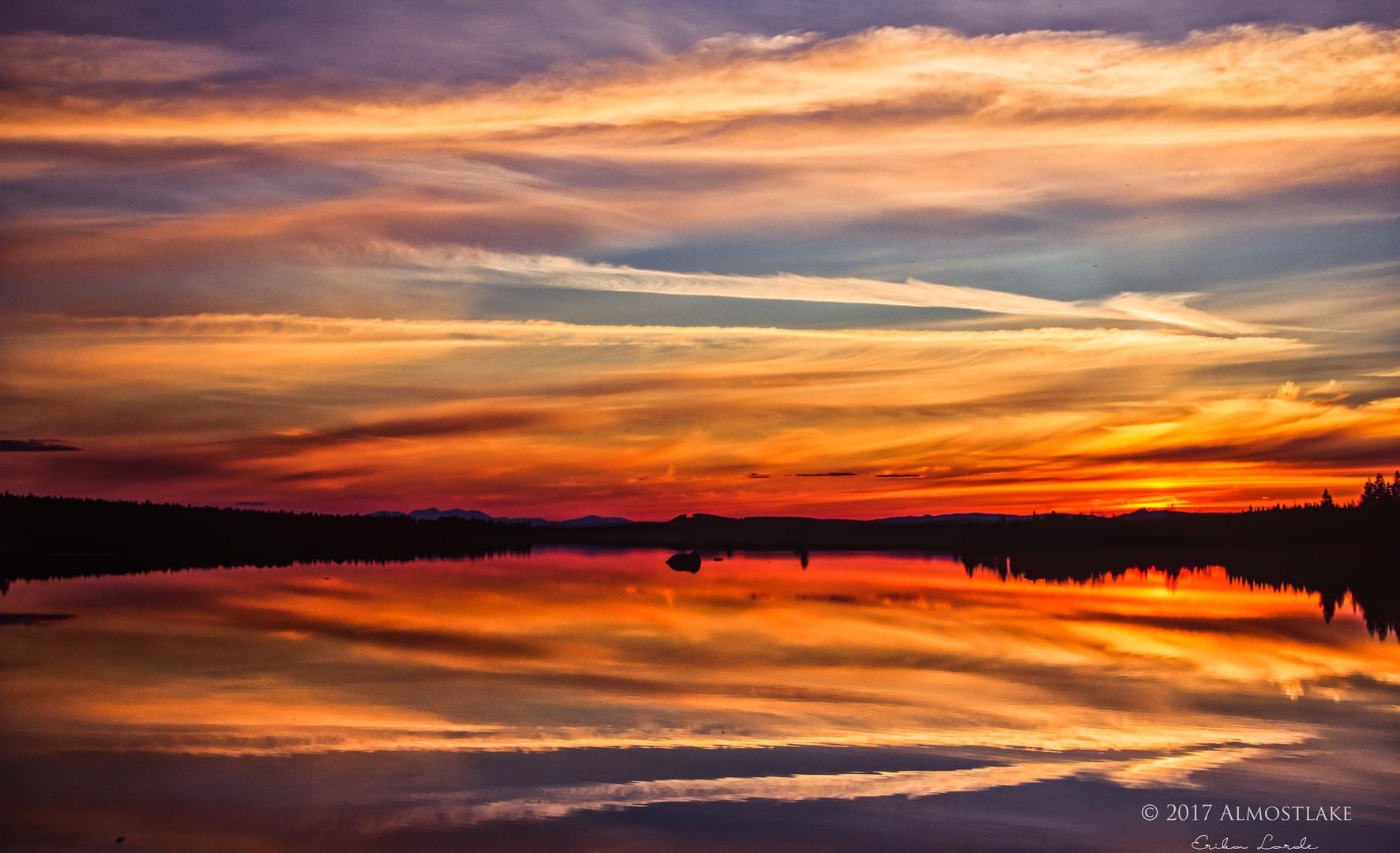 Solnedgång i Maj sign.jpg