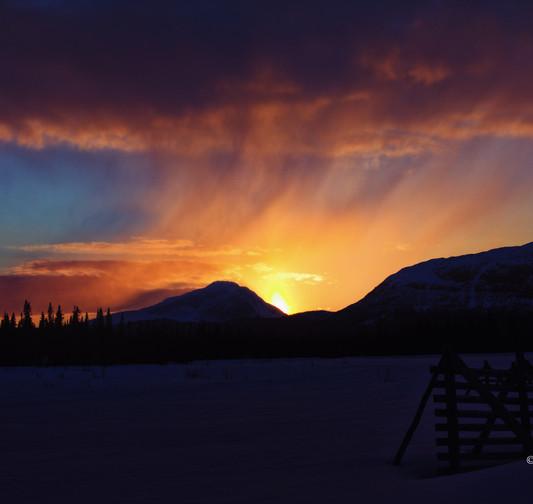 Snöig solnedgång över stöken (1 av 1) si