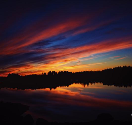 Solnedgång i Maksjön sign.jpg