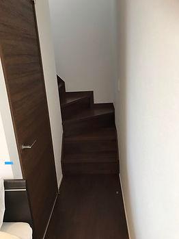 階段登り口.jpg