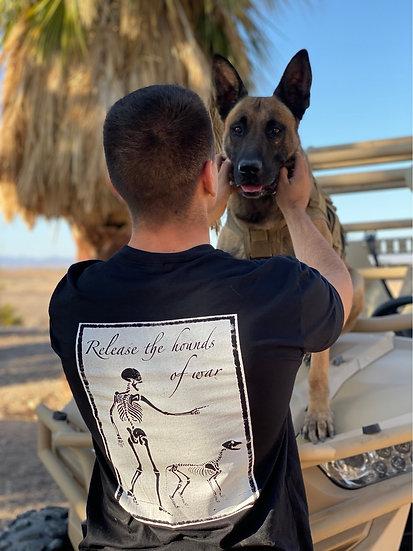 Duc Exercitum Hell Hounds Design T-Shirt