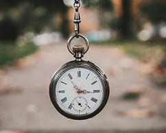 Conscienciar sobre la necessitat de racionalitzar l´ús del temps per optimitzar el rendiment al lloc de treball. |Conèixer noves eines que ens ajudin a planificar i prioritzar tasques i a gestionar distraccions en el nostre dia a dia.