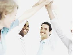 Reflexionar i aprofundir en l'anàlisi de les responsabilitats de gestió i lideratge. | Conèixer els rols que es desenvolupen en els equips de treball, les claus de la gestió dels conflictes i la negociació per interessos. | Analitzar i detectar els conflictes que generen els processos de negociació i comunicació. Entendre els processos de la gestió del canvi. | Ser conscients de les reaccions i resistències que provoquen els canvis i com gestionar-los per a què no suposin un fre a l'evolució. | Gestionar el temps i organitzar reunions efectives.