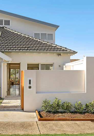 Renovation of a family home done by Orishon Projects. The job included a new kitchen and bathrooms, in Bronte Sydney.
