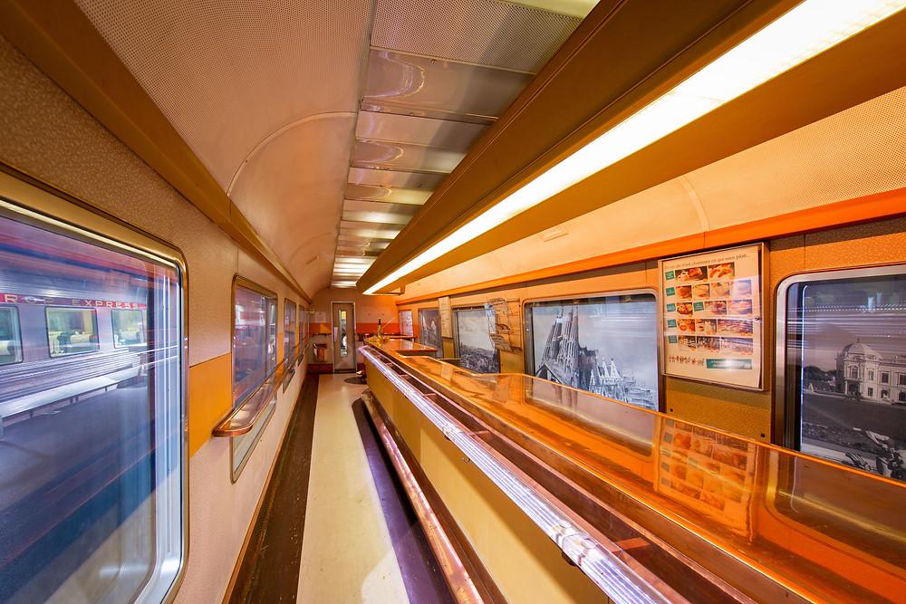 Voiture-bar A3 rtu TEE Grand Confort - 1971 | Cité du Train - Patrimoine SNCF | ©Nicolas Muguet