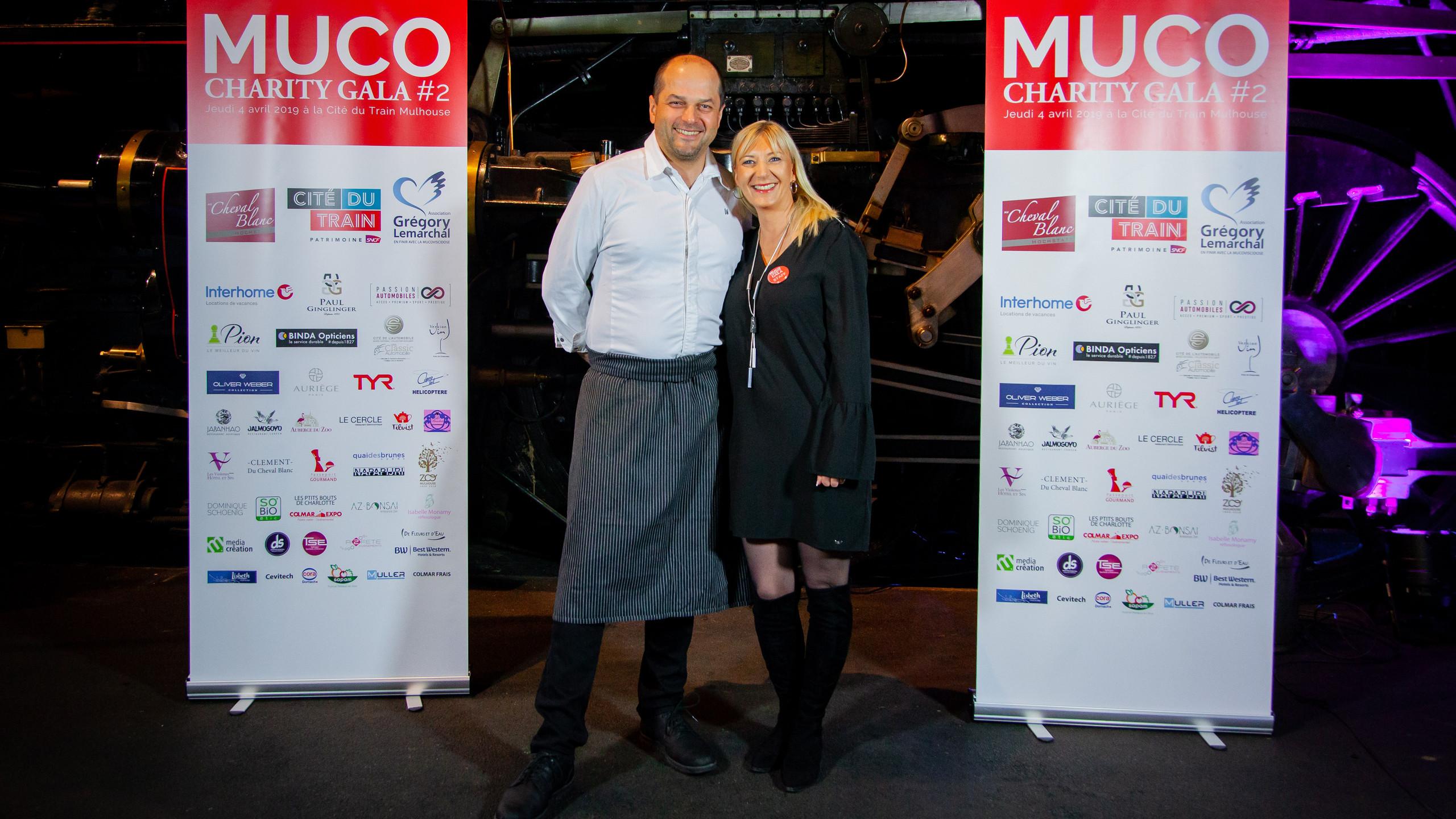 Photocall - Muriel et Davy Mathis, restaurant Au Cheval Blanc d'Hochstatt