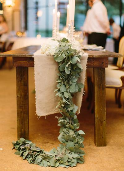Svatba v zeleno bílé.