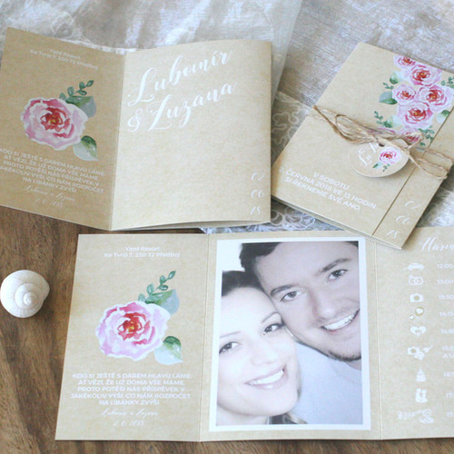 Svatební oznámení s fotkou a pivoňkami