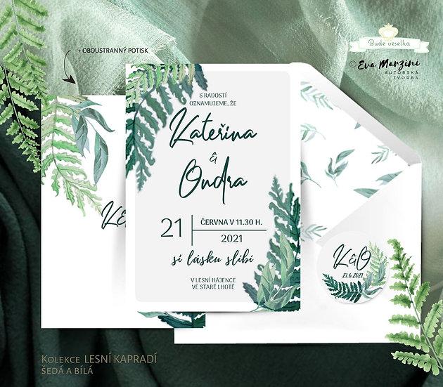 Svatební oznámení s lesním kapradím, bílé a šedé s bílou obálkou
